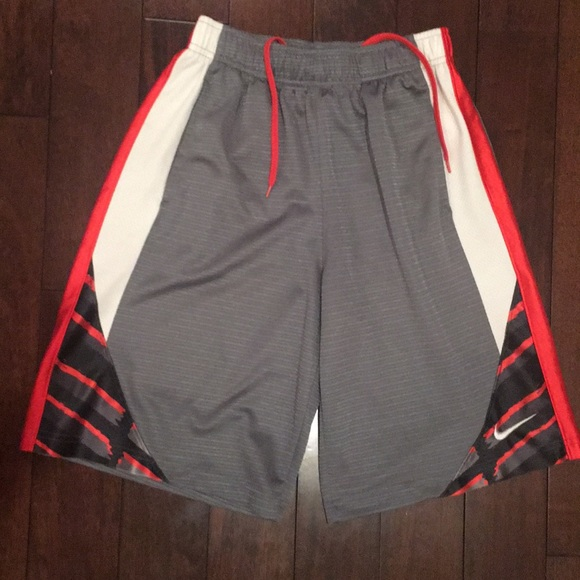 Nike Other - Boys sz M multi color Basketball shorts